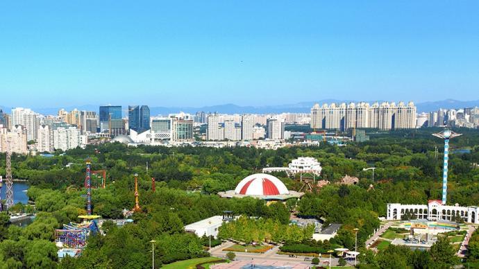 因雨情减弱,北京朝阳公园恢复正常开放