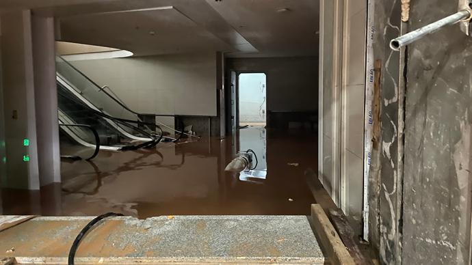 广州地铁21号线神舟路站进水原因:出入口施工致挡水墙倒塌