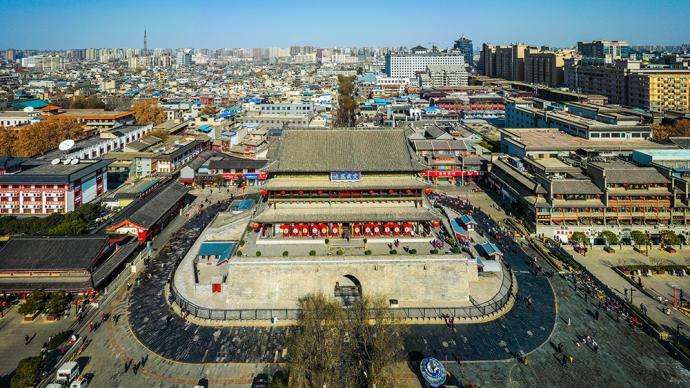 大唐不夜城步行街各类表演及大雁塔北广场喷泉表演本日起暂停