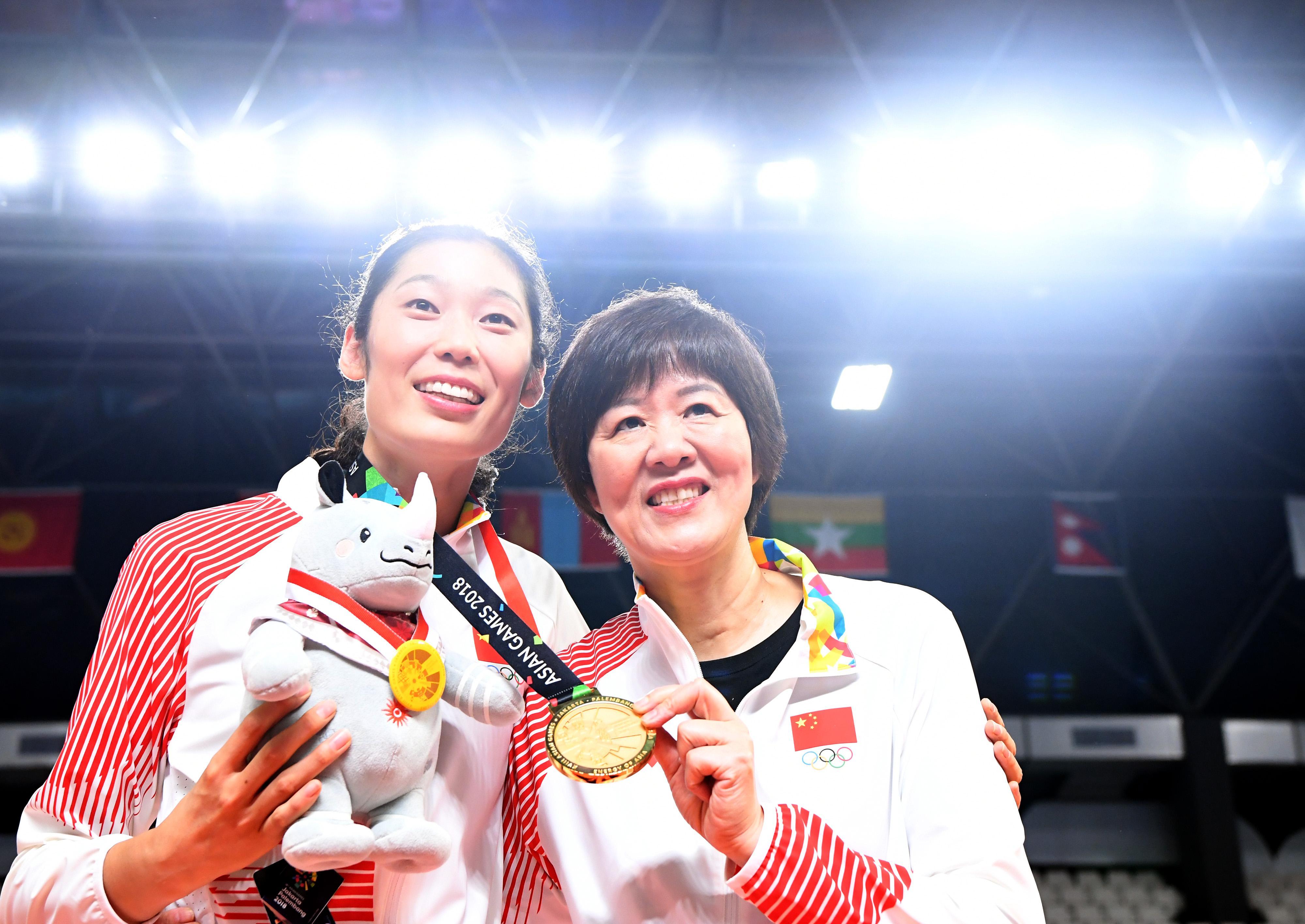 郎平率队拿下雅加达亚运会冠军。
