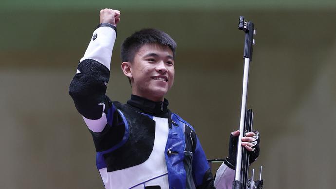 """决战东京·战况 完美收官!""""00后""""张常鸿50米步枪三姿创世界纪录夺冠"""