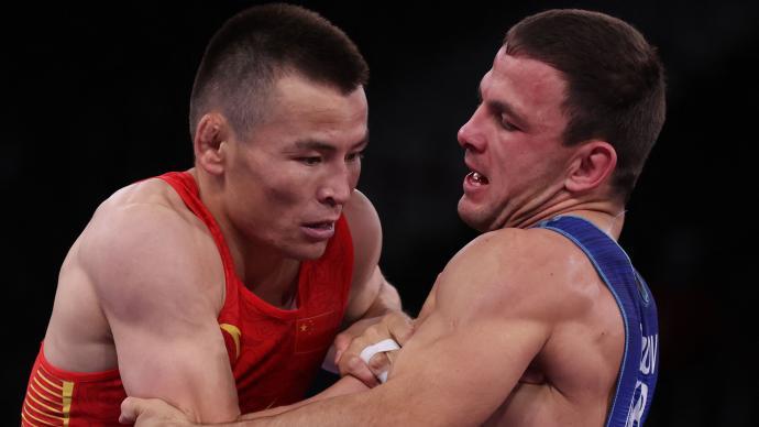 中国选手瓦里汗·赛里克拿下男子古典式摔跤铜牌