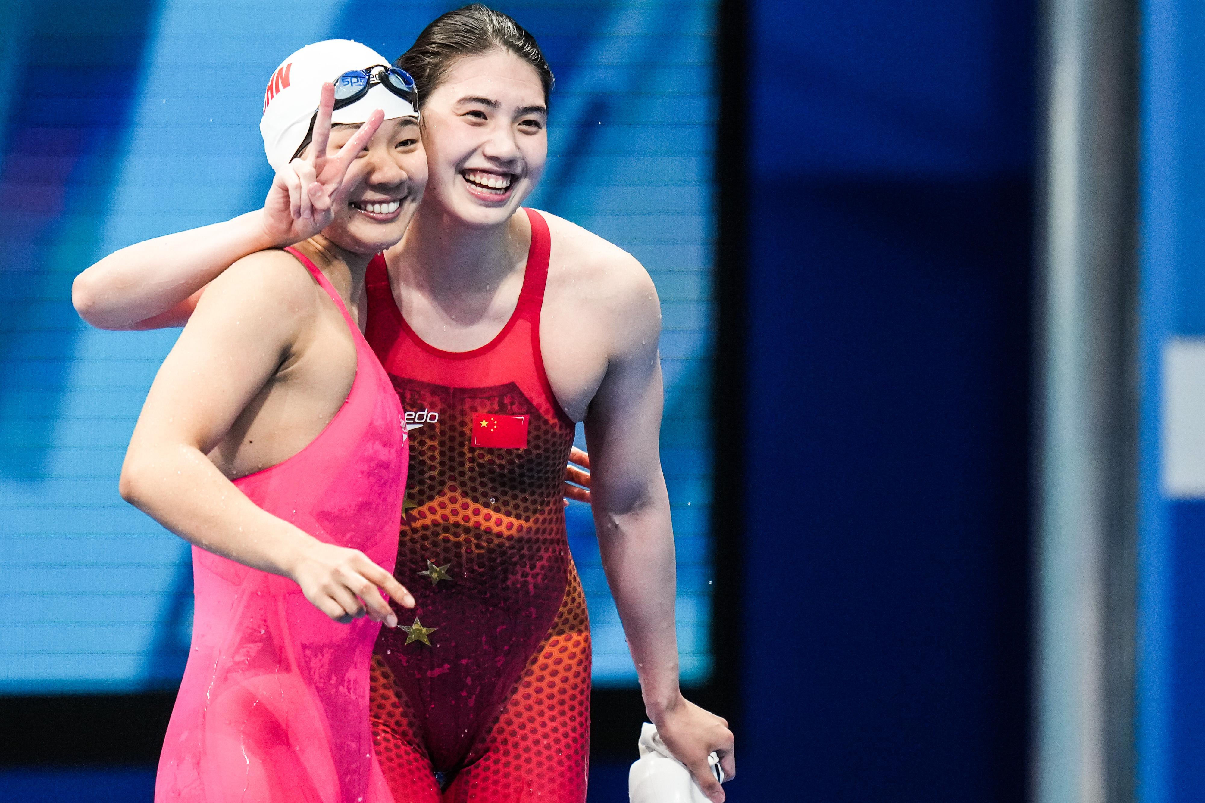张雨霏和俞李妍。