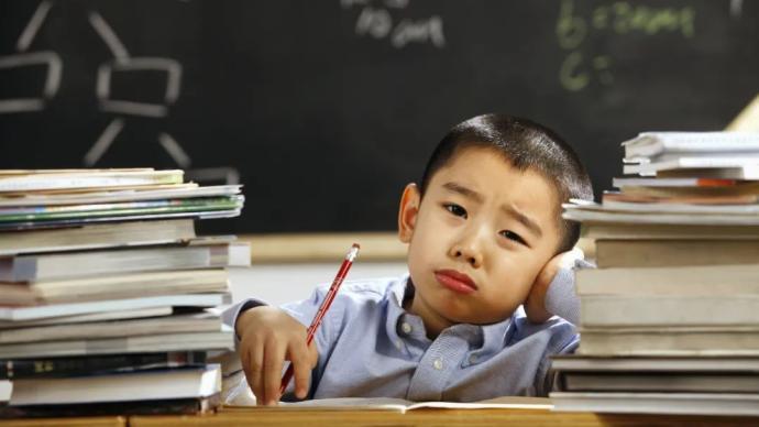"""校外培训何以成必选项?""""双减""""之后还要""""鸡娃""""吗?"""