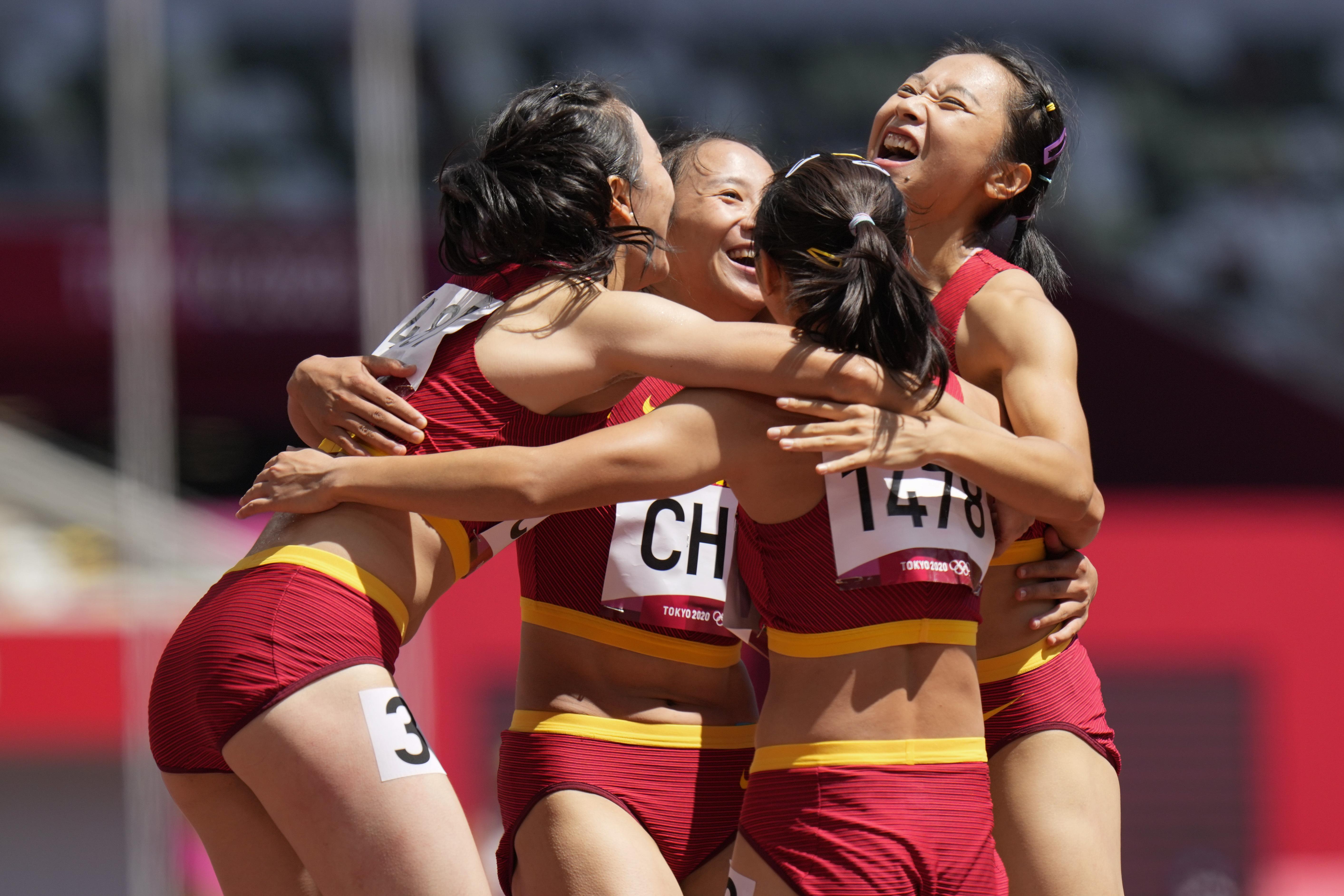 女子4×100米接力闖入決賽。