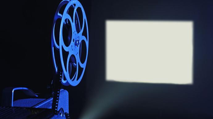 国家电影局:中高风险地区电影院暂不开放