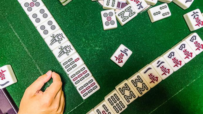 扬州两家棋牌室感染者飙升:一家56人确诊,一家17人确诊