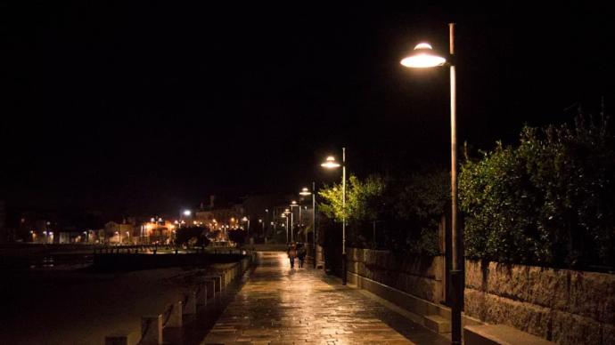 為應對用電高峰,河南漯河今晚起關閉市區景觀燈和部分路燈