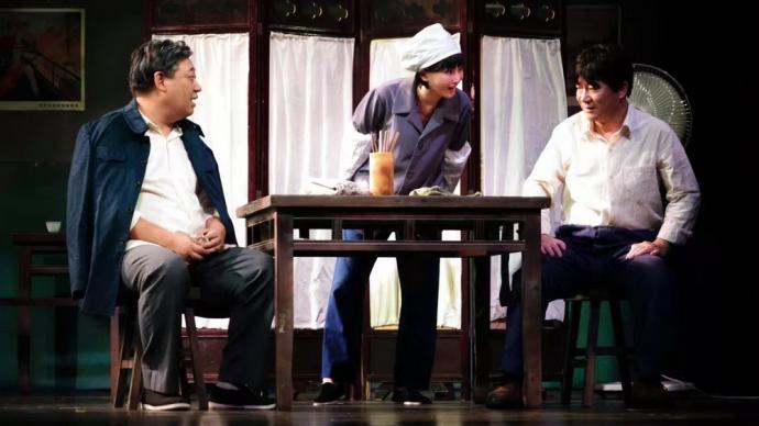 專訪 話劇《開飯!》導演黃盈:這是給老一輩產業工人的贊歌