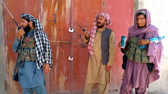 戰地記者劉怡談阿富汗:從現代化進程失敗,到塔利班的崛起