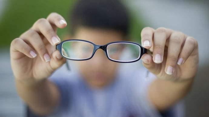 全國近6億人近視,手術摘鏡就能一勞永逸嗎?
