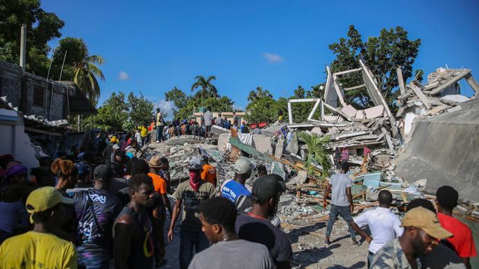 早安·世界 海地地震死亡人數升至304人,全國進入緊急狀態