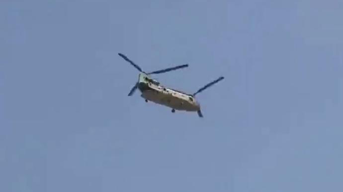 視頻|美駐阿使館人員撤離,美軍直升機邊飛邊打干擾彈