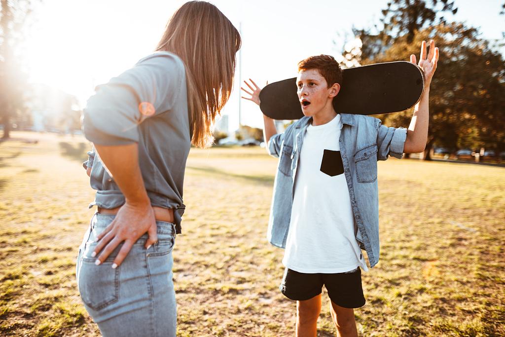 心理问答|青春期小孩,不仅要管,还要会管