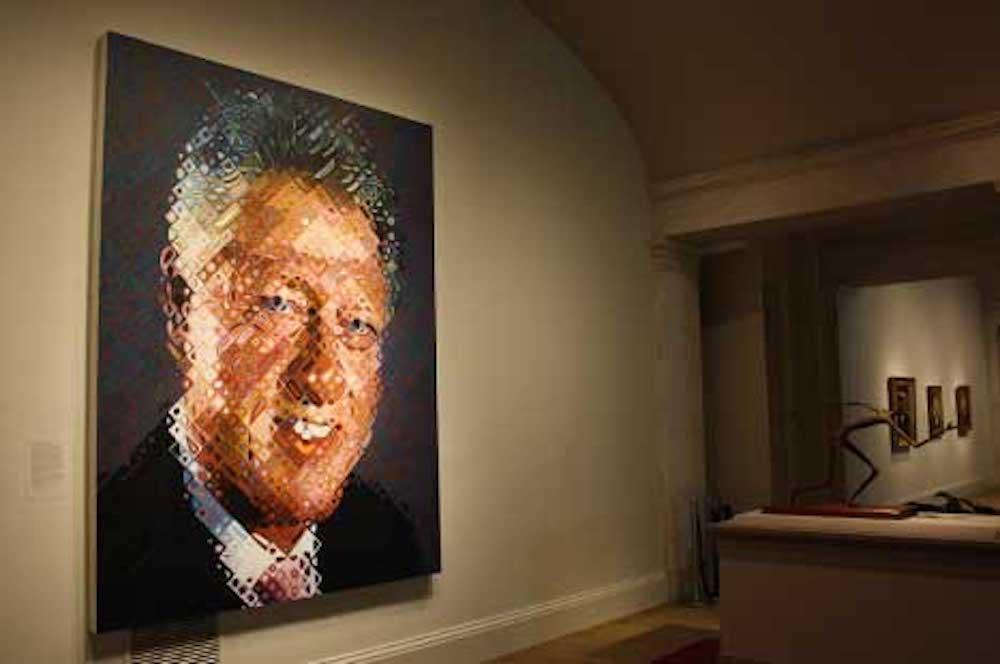 查克·克洛斯为美国前总统克林顿画像
