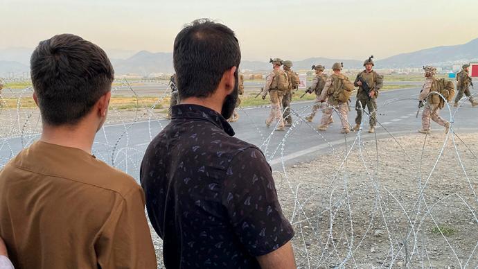 美军从阿富汗跑了,美国新保守主义理论与实践也破产了
