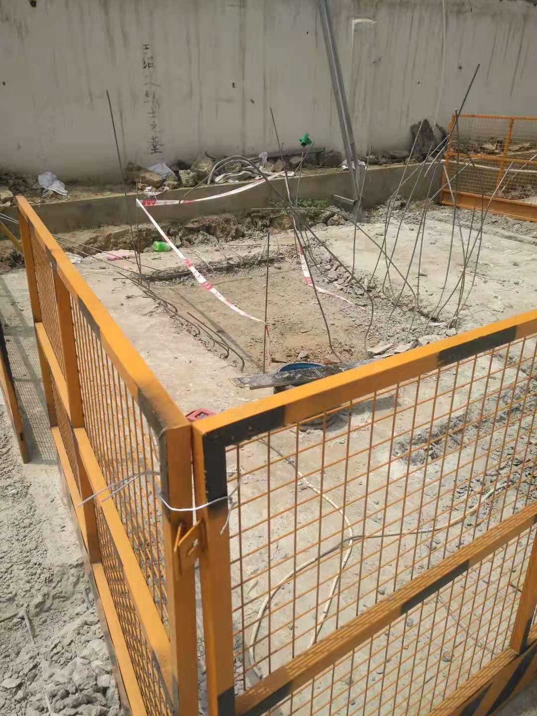 今年5月,王绍文遗骸暂存地被混凝土硬化,家属交涉后开发商才将混凝土敲开,并用围挡将此处隔离。