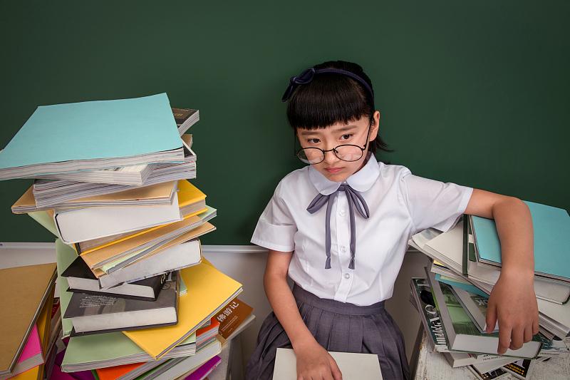 """两个孩子就有一个是近视,""""双减""""下建议家长找回失衡的眼健康关注"""
