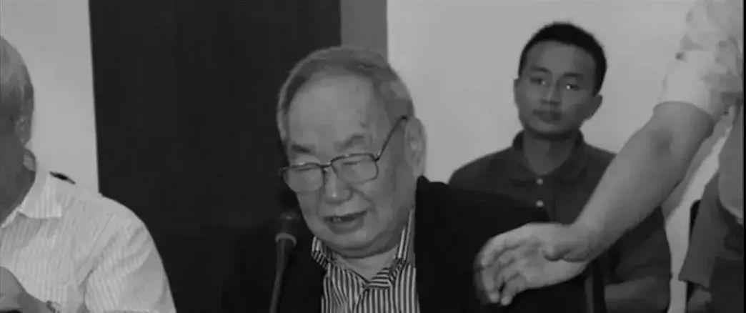 2013年5月22日,王邦佐在复旦国务学院政治学系研讨会上发言