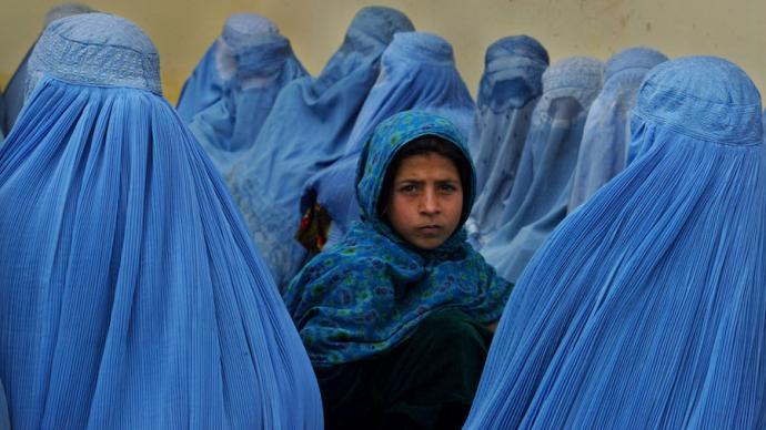 澎湃思想周報丨拯救阿富汗女性的殖民敘事;佛州口罩禁令風波