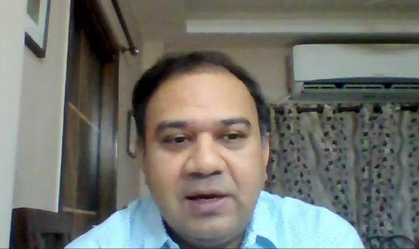 線上講座現場。伊斯拉姆教授畢業于牛津大學政治學系,曾任教于加爾各答管區大學和塔塔社會科學研究所。其研究興趣為政治理論、南亞政治與電影,在印度宗教與政治領域出版多部專著,本次講座基于伊斯拉姆教授的著作《自由化后的印度穆斯林》展開。