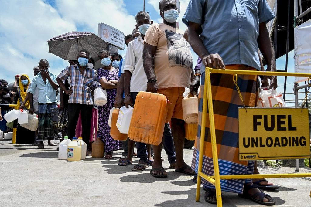 當地時間2021年8月31日,斯里蘭卡首都哥倫坡,當地民眾開始囤積生活必需品。