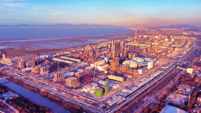 中國石化上半年凈利近400億元,煉油板塊盈利大幅反彈