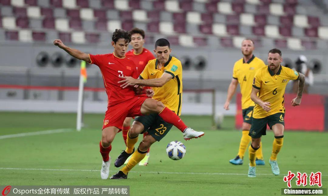 王燊超(左一)在比賽中。?圖片來源:Osports全體育圖片社