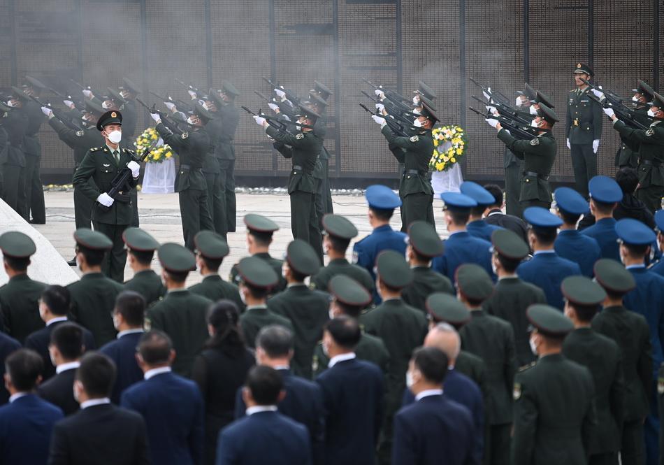 2021年9月3日,禮兵鳴槍12響致敬志愿軍烈士。