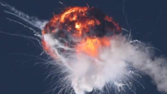 美國螢火蟲公司阿爾法火箭首飛爆炸,在加州空中炸成火球