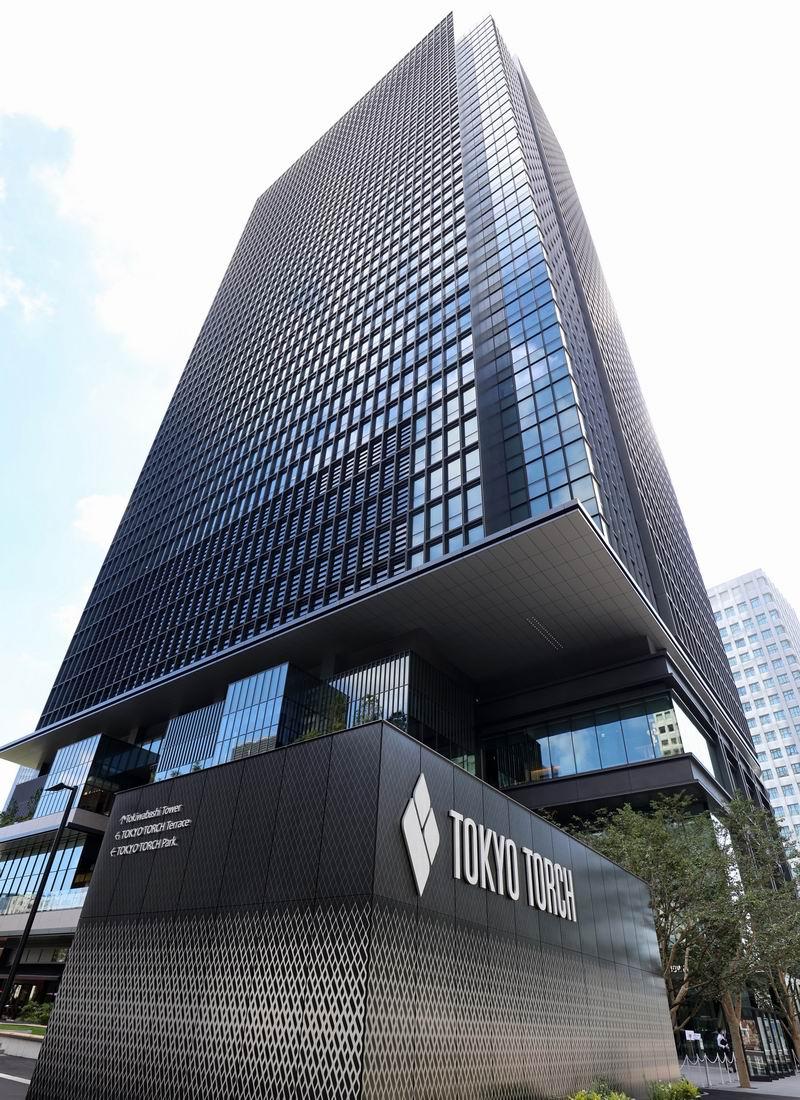 """2021年7月19日,日本东京,日本最大的开发商三菱地产公司38层""""东京火炬常盘桥大厦""""办公楼竣工。三菱地产计划于2027年在建筑群里再建一座大楼,成为日本最高的建筑。"""