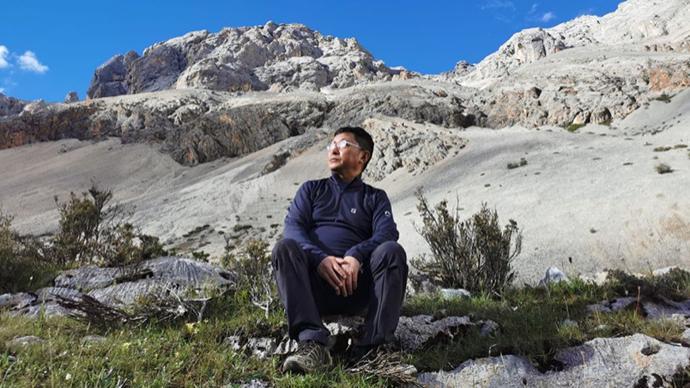 """阿来获首届""""美丽中国""""生态文学奖:理解自然才能理解人"""