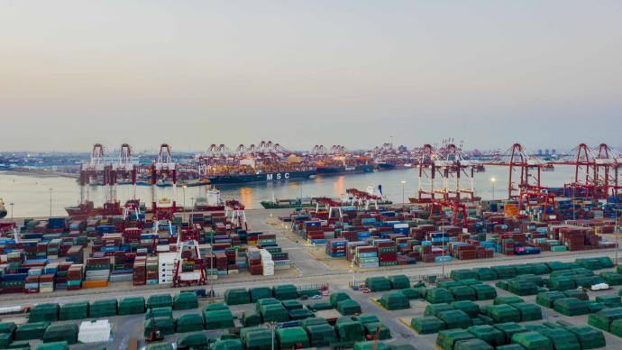 海關總署:今年前八個月我國進出口總值24.78萬億元