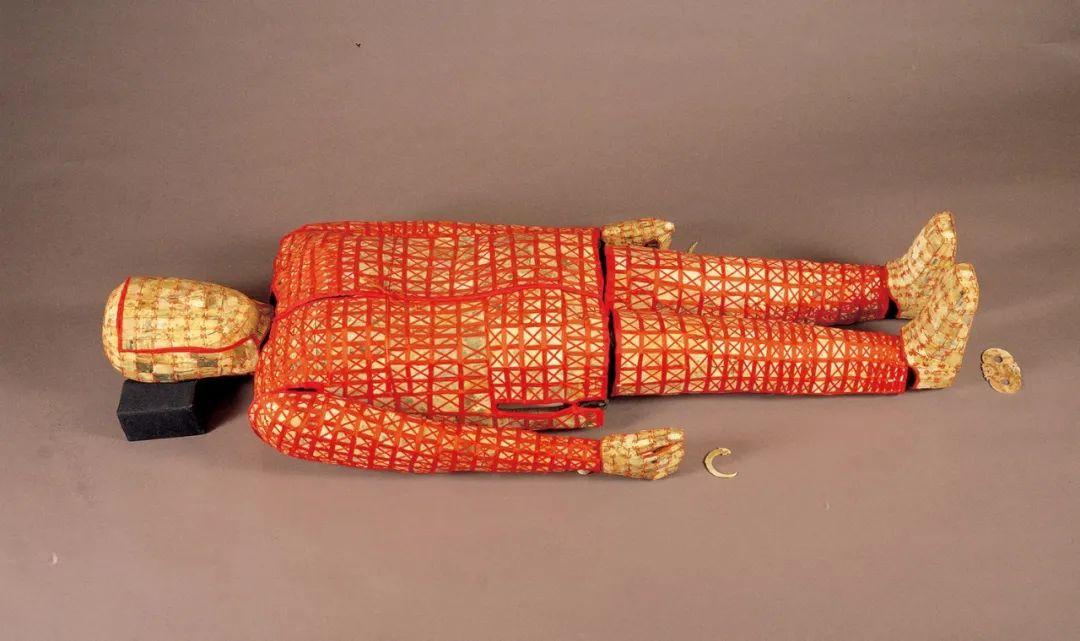 絲縷玉衣??西漢(公元前202年—公元8年) 1983年象崗南越王墓出土 西漢南越王博物館藏