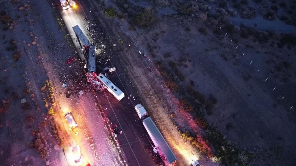 當地時間2021年9月2日,墨西哥西北部索諾拉州一輛巴士與貨車相撞。事故造成16人死亡、22人受傷。