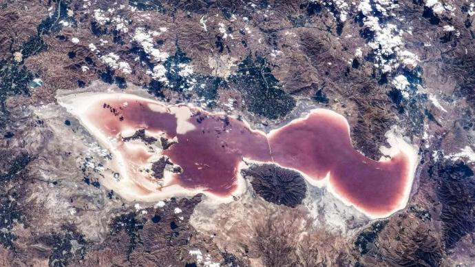 """紅色湖水、""""曲線"""",神十二航天員第二批在軌攝影作品發布"""