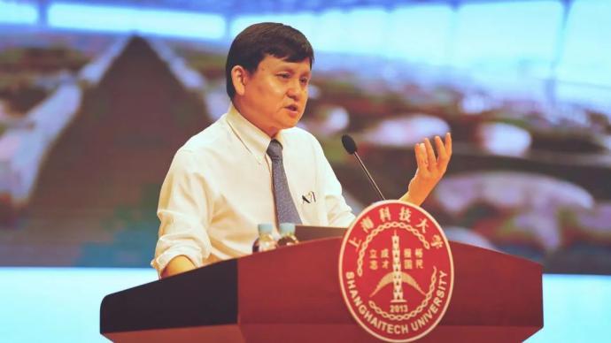 """張文宏:科技、文明與體制,支撐著醫生""""迎戰""""傳染病"""