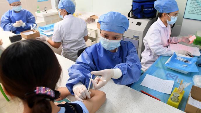 上海↑���釉��12至17�q外籍青少↑年新冠疫苗登�接�N�A�s