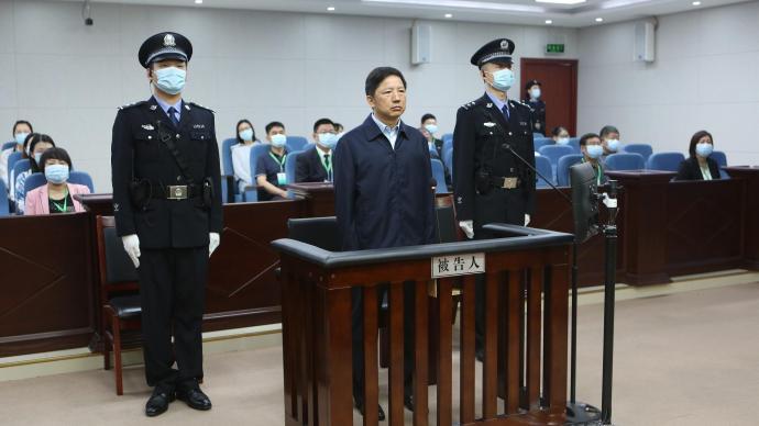 重慶市公安局原局長鄧恢林一審被控受賄超4267萬