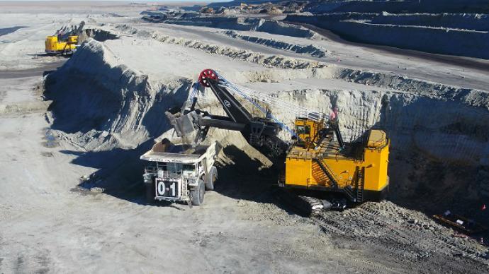 220吨矿卡完全无人自主运行,中国神华探索矿山智能化