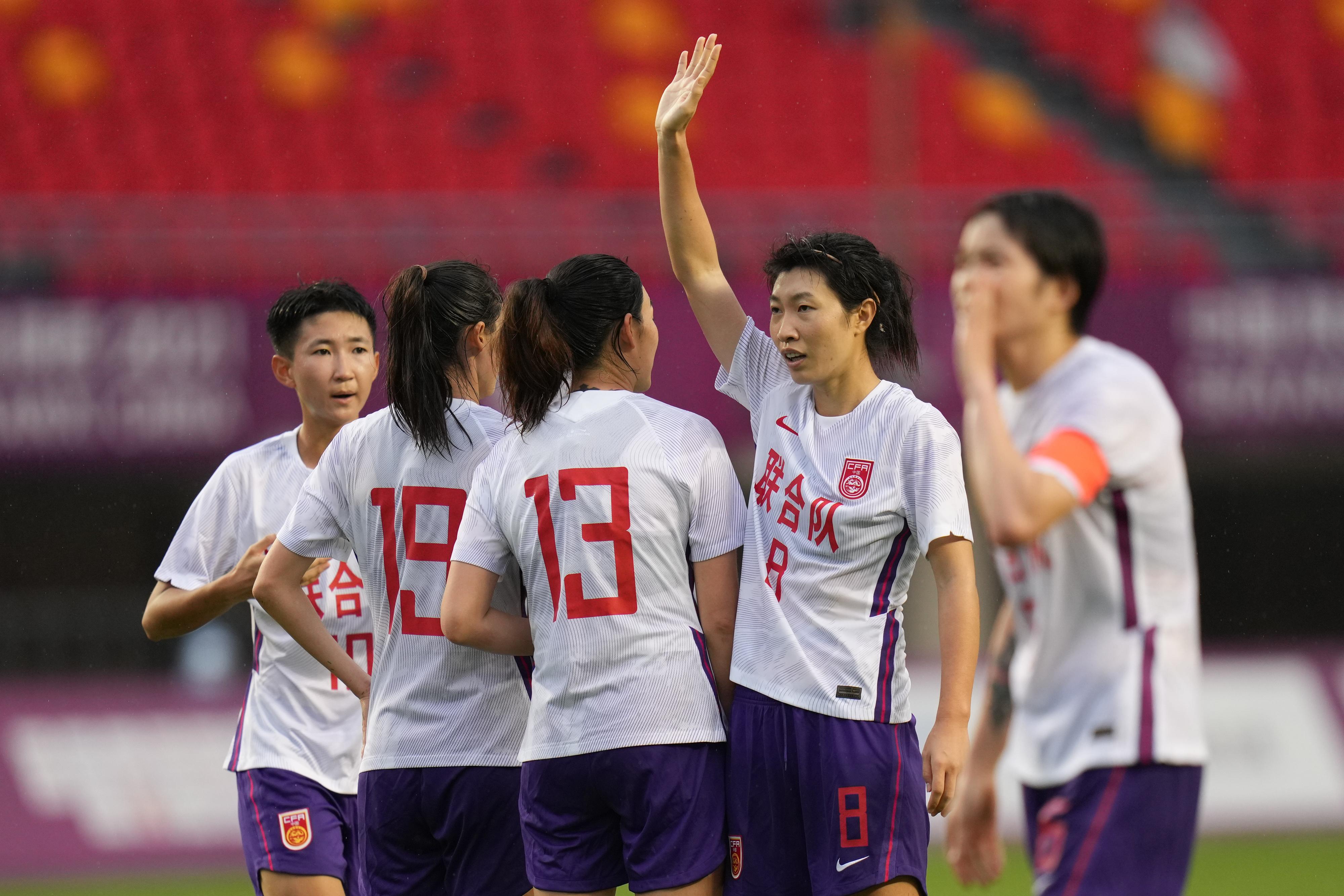 中国女足在全运赛场。