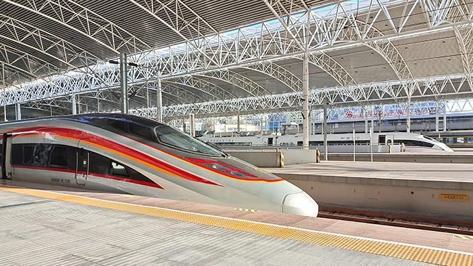 上海站预计今日到达旅客35万人,午后晚间客流比较集中