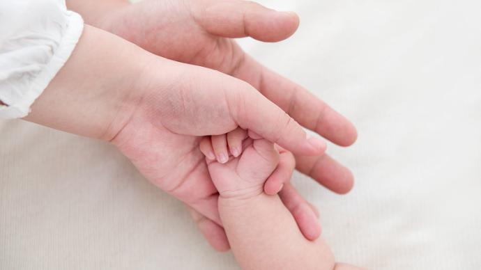 天津拟修条例增加男性陪产假,专家曾建议延长到至少1个月
