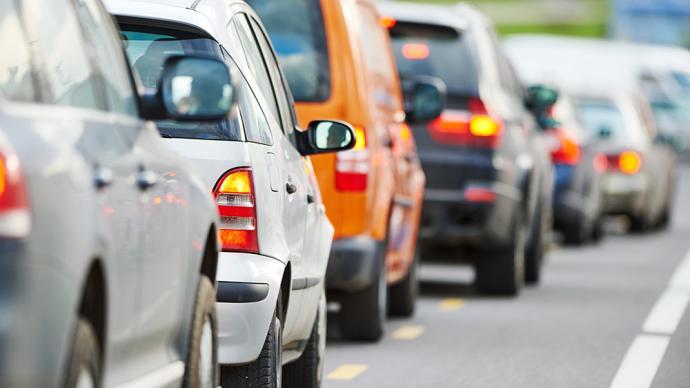中秋假期高速路返程高峰来了,预计今晚8时以后拥堵缓解