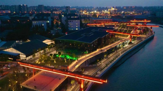 """上海宝山一闲置码头""""变身""""星空高线公园,免费对游客开放"""