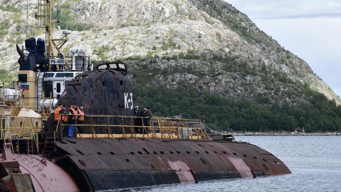 苏联首艘核潜艇被运至俄圣彼得堡,将改造为博物馆