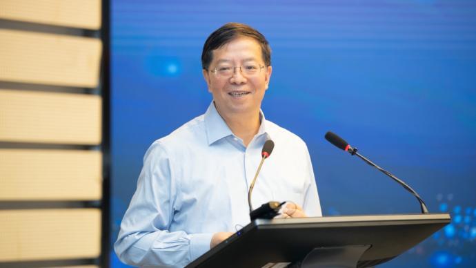 清华大学校长谈文科建设工作:压缩博士生规模,提高培养质量