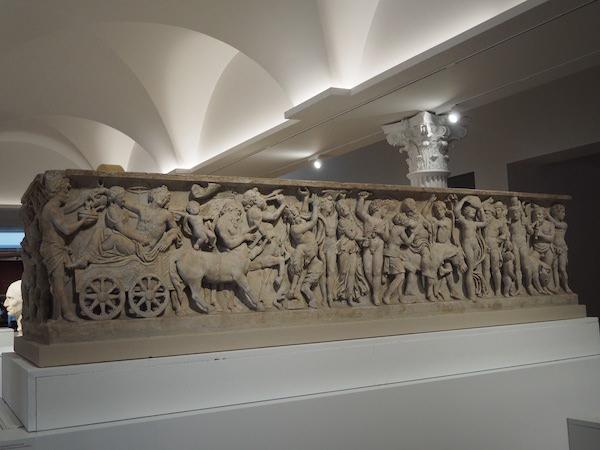 巴克斯和阿里阿德涅婚礼图案石棺 公元2世纪