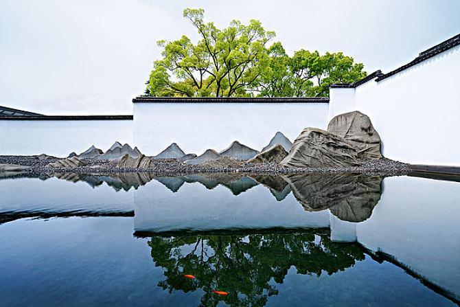 贝聿铭设计的苏州博物馆山水与园林相呼应