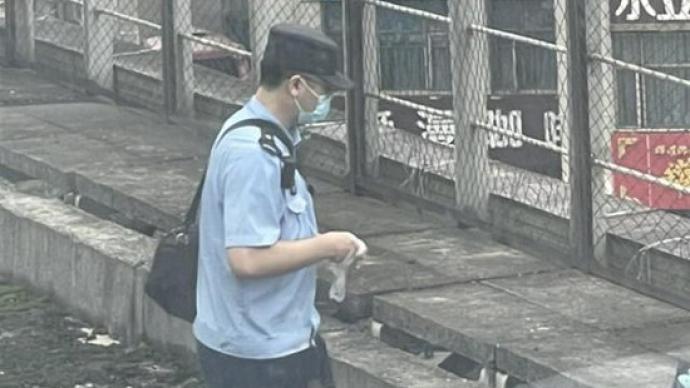 成都铁路局:D763列车撞上一名侵入线路男子,其不幸身亡